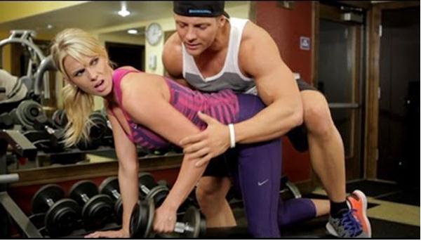 这种人装作教练 用很猥琐的办法接近美女