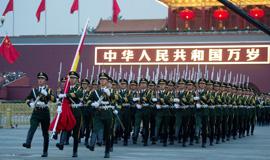 12万人观看天安门国庆升旗仪式